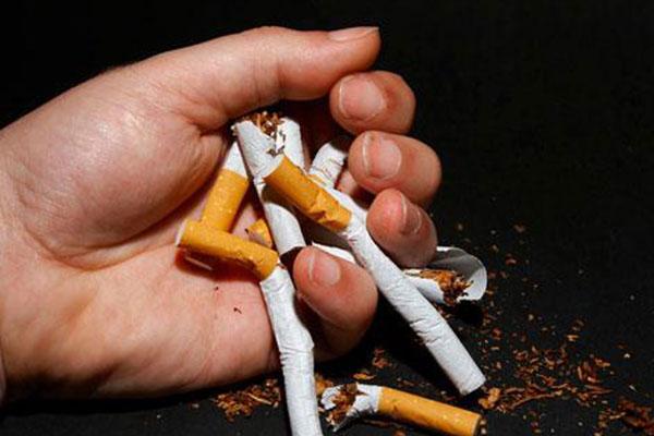 戒烟.jpg